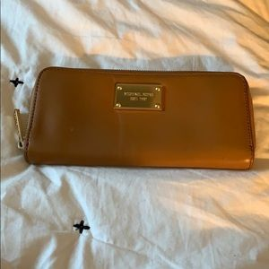 Michael kors camel leather wallet